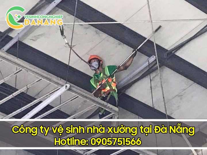 Vệ sinh nhà xưởng trên cao tại Đà Nẵng
