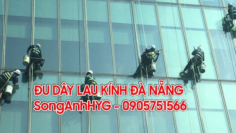 Dịch vụ đu dây lau kính nhà cao tầng Đà Nẵng
