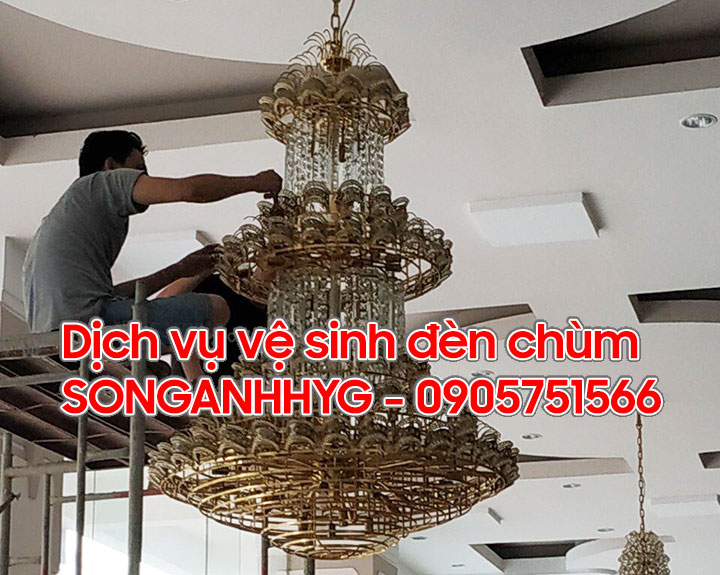 Vệ sinh đèn chùm Đà Nẵng