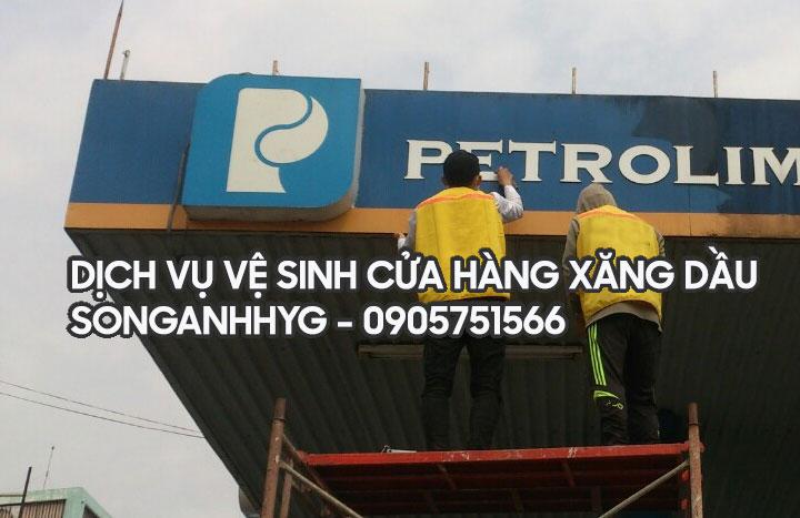 Dịch vụ vệ sinh cửa hàng xăng dầu tại Đà Nẵng